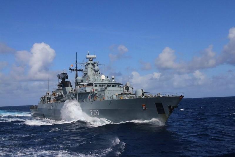 Trung Quốc cáo buộc 'các cường quốc' kích động sự cố tại Biển Đông - ảnh 1