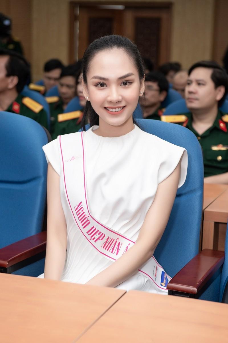 Chuyến từ thiện đầu tiên của tân Hoa hậu Đỗ Thị Hà - ảnh 7
