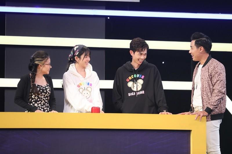 Hồng Thanh cùng DJ Mie diện đồ đôi đi chơi gameshow - ảnh 1