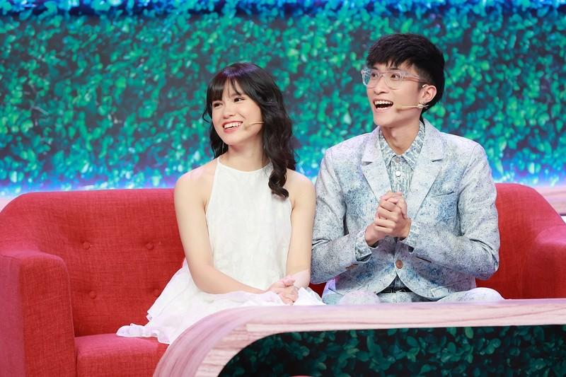 'Chị Google' Phương Thoa hạnh phúc bên bạn trai Chí Thành - ảnh 4