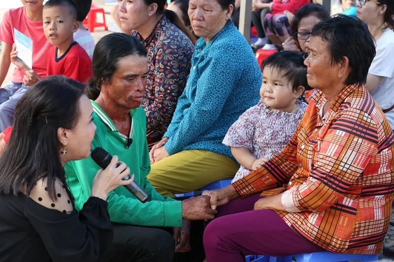 Việt Hương khóc nấc vì nhớ đến người mẹ đã khuất - ảnh 3