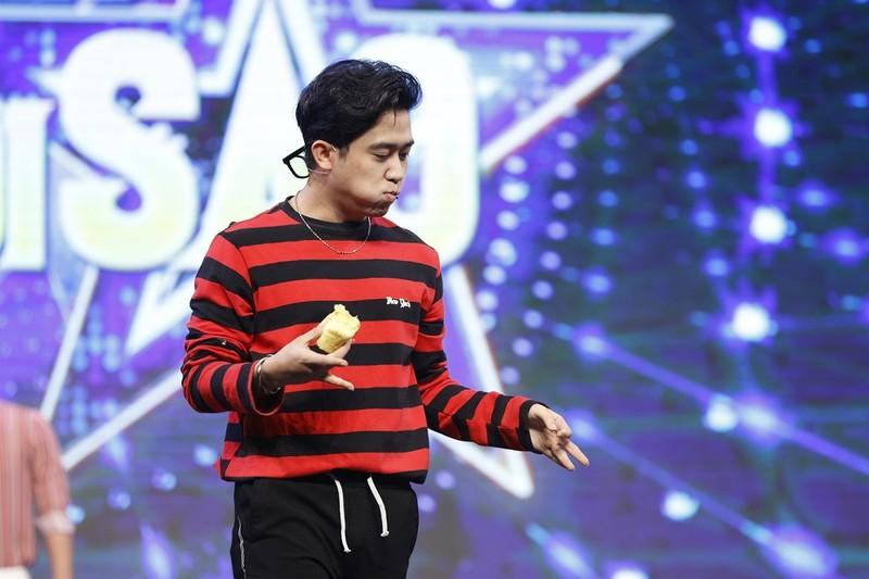 MC Quốc Bảo đọc thơ khiến khán giả cười ngã nghiêng - ảnh 3