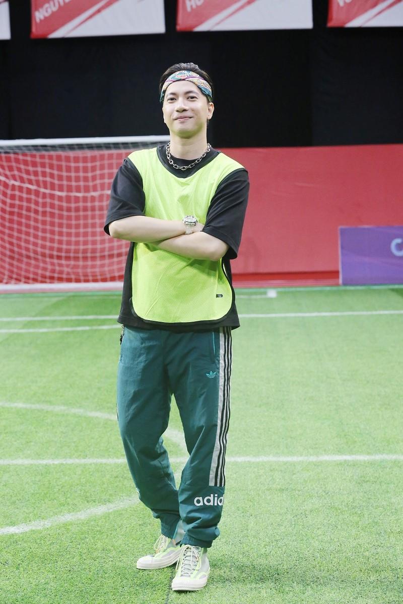 ST Sơn Thạch bị thẻ vàng vì tự ý ra sân ăn mừng bàn thắng tại Cầu thủ nhí 2021 - ảnh 1