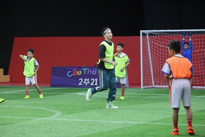 ST Sơn Thạch bị thẻ vàng vì tự ý ra sân ăn mừng bàn thắng tại Cầu thủ nhí 2021 - ảnh 2