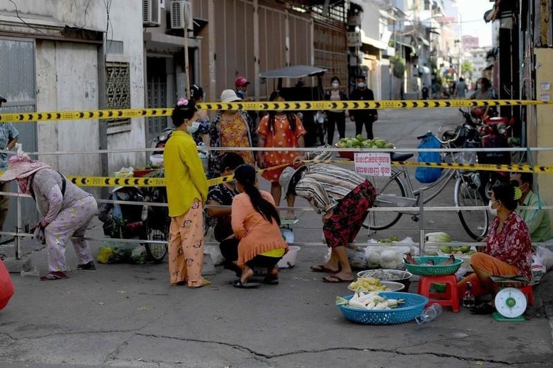 Bài học lộ trình mở cửa lại: Phnom Penh-đảm bảo dịch vụ thiết yếu, cung ứng  - ảnh 2