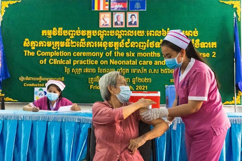 Bài học lộ trình mở cửa lại: Phnom Penh-đảm bảo dịch vụ thiết yếu, cung ứng  - ảnh 1