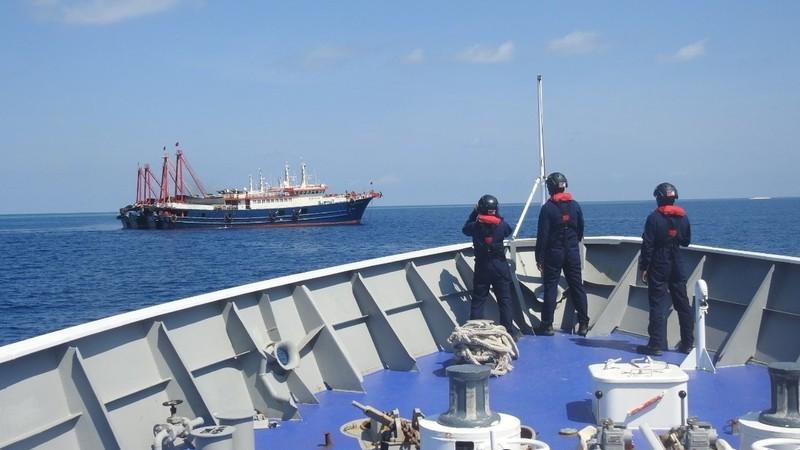 Hội đồng An ninh Quốc gia Philippines: Còn khoảng 150 tàu Trung Quốc ở Biển Đông - ảnh 1