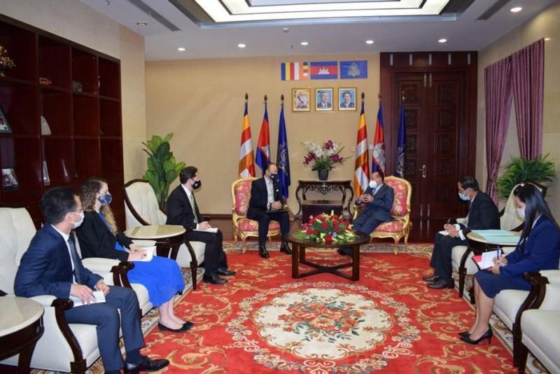 Phó Thủ tướng Campuchia kêu gọi tuân thủ luật pháp quốc tế ở Biển Đông - ảnh 1