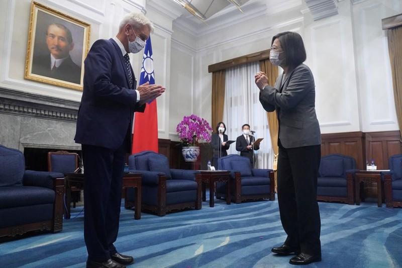 Tiếp phái đoàn nghị sĩ Pháp và cựu thủ tướng Úc, bà Thái nhắn nhủ hợp tác - ảnh 1