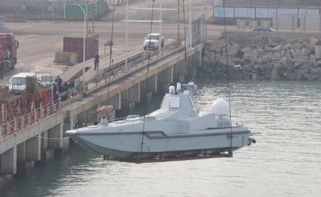 TQ thử nghiệm tàu mặt nước không người lái tại căn cứ hải quân bí mật? - ảnh 1