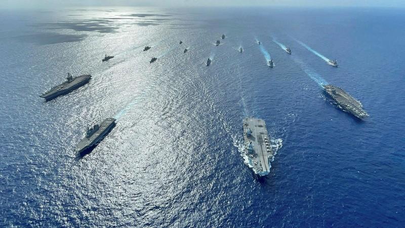 Mỹ điều 'căn cứ nổi' chở trực thăng, thủy phi cơ đến căn cứ tại Okinawa, Nhật - ảnh 2