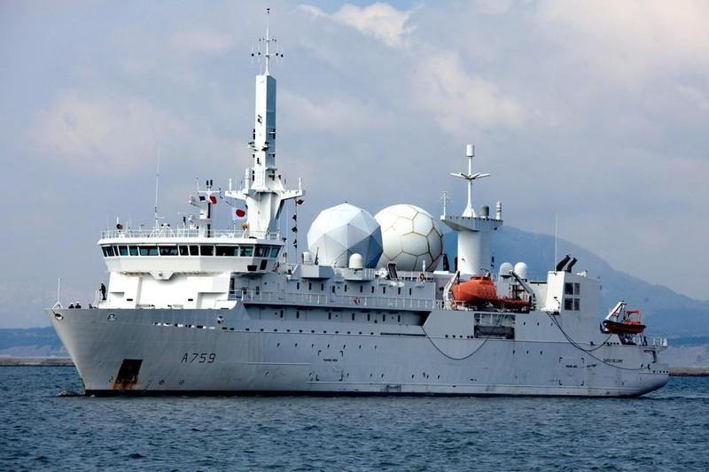 Tàu trinh sát tình báo Pháp quá cảnh eo biển Đài Loan - ảnh 1