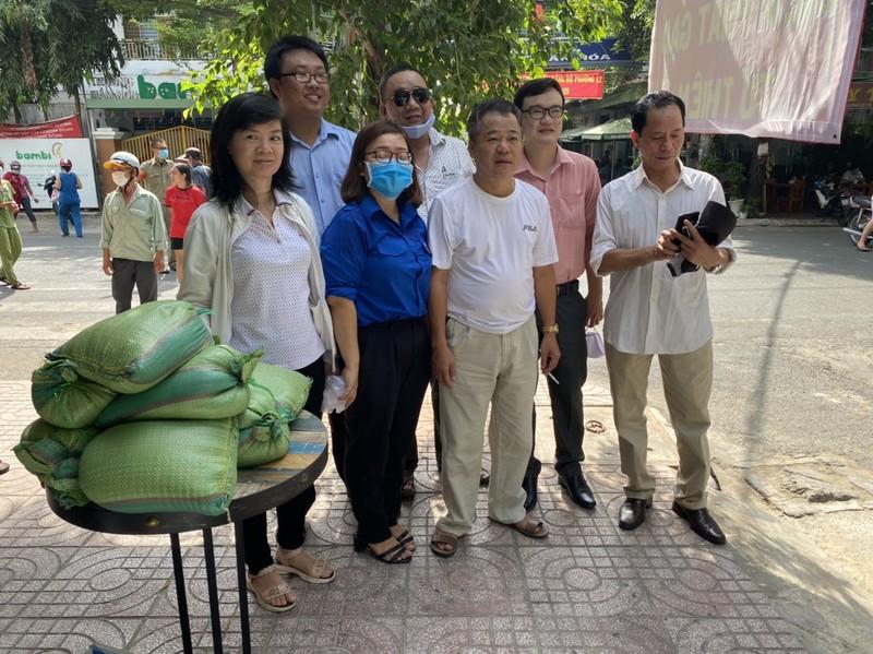 30 tấn gạo đã đến tay những người khó khăn trong mùa dịch - ảnh 1