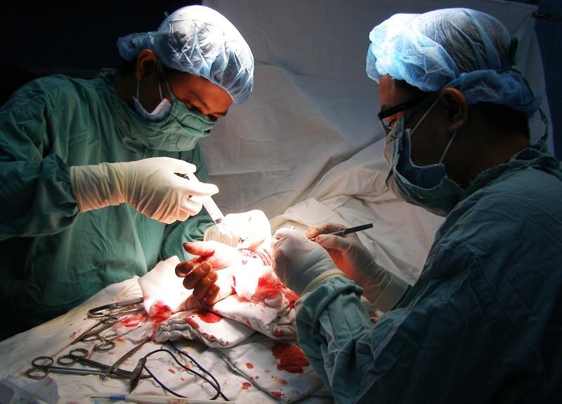 BV quận 11 phẫu thuật thành công ca đứt cổ tay phức tạp - ảnh 1