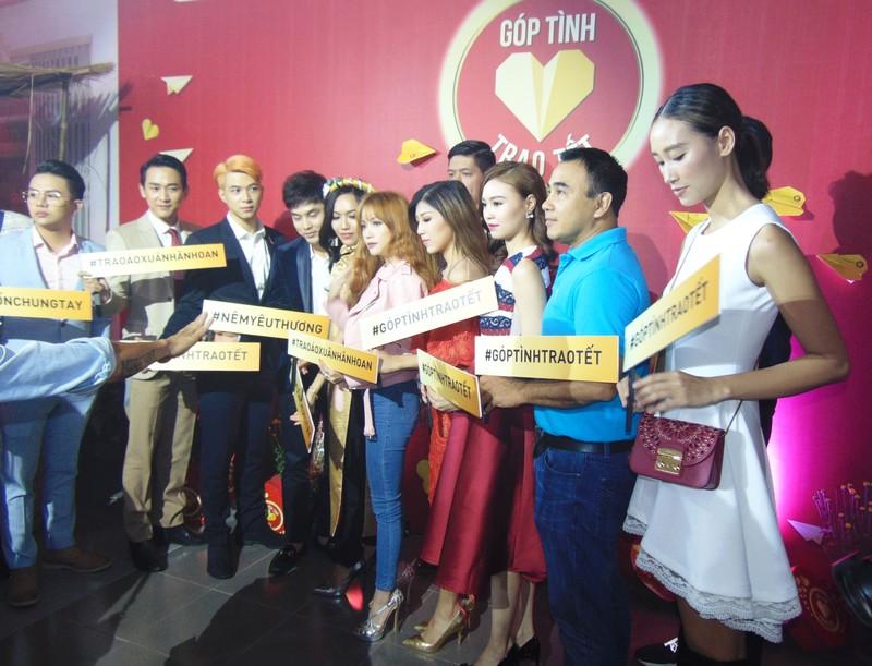 Showbiz Việt đồng hành chương trình 'Góp tình trao tết' - ảnh 1