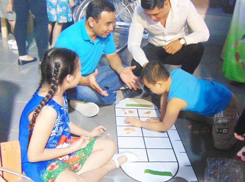 Showbiz Việt đồng hành chương trình 'Góp tình trao tết' - ảnh 3