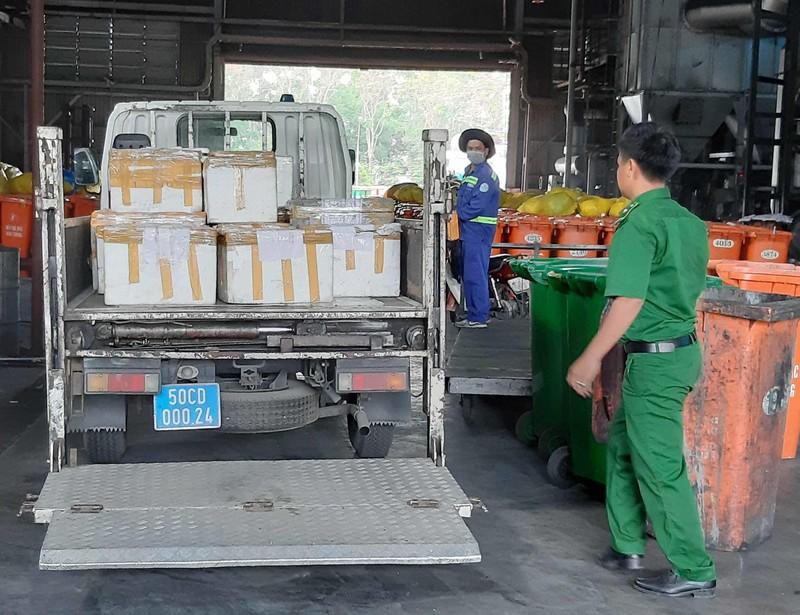 'Tóm' 790 kg nem chua, chả lậu từ Hà Nội vào TP.HCM - ảnh 3