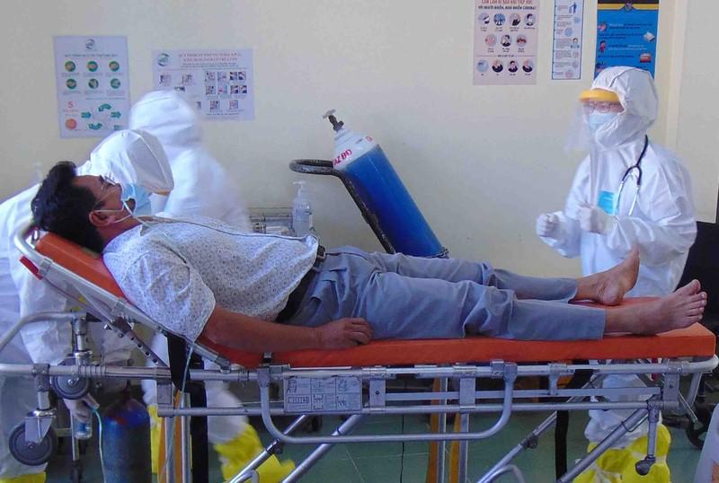 TP.HCM: 16 người cách ly ngừa COVID-19 ở bệnh viện dã chiến  - ảnh 1