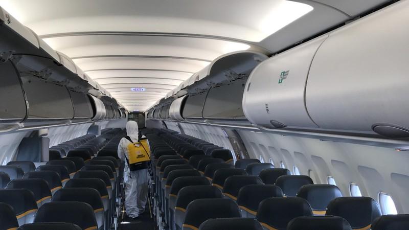 Đã tìm thấy 5 người bay cùng khách Nhật nhiễm COVID-19 - ảnh 1