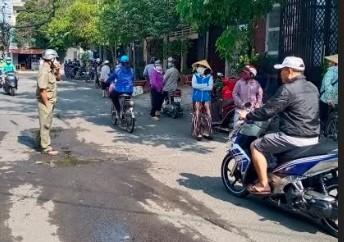 TP.HCM: Điểm phát quà từ thiện ở quận Gò Vấp đã ngưng - ảnh 2
