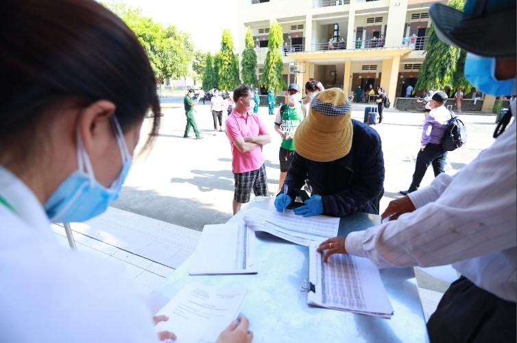 TP.HCM: Hơn 930 người hoàn thành cách ly sau 14 ngày - ảnh 2