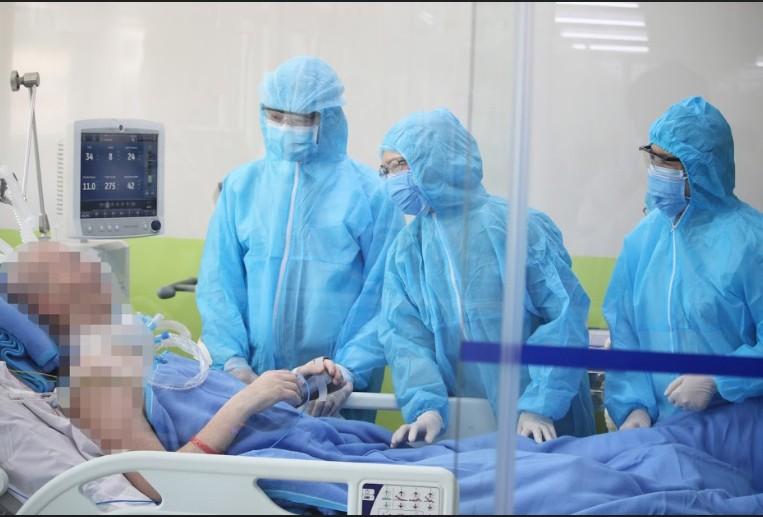 Bệnh nhân 91 đã bấm được phím điện thoại sau 83 ngày điều trị - ảnh 1