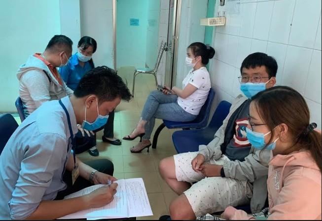 TP.HCM: Đường dây nóng các trung tâm y tế 'cháy máy' - ảnh 1