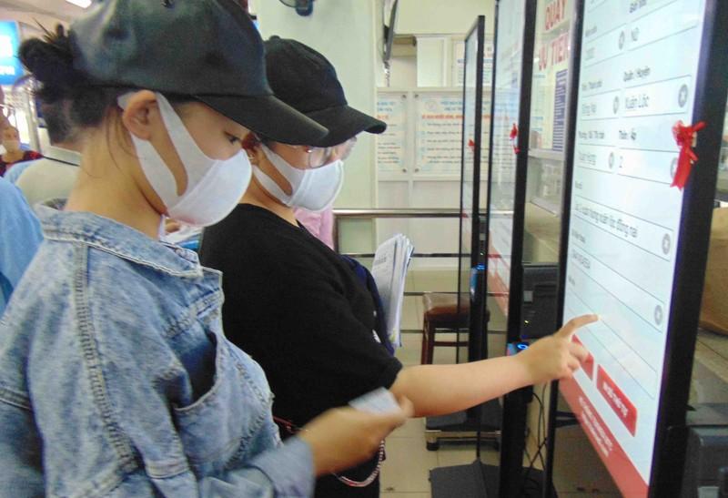 23 nhân viên y tế BV Chợ Rẫy đều có kết quả xét nghiệm âm tính - ảnh 1