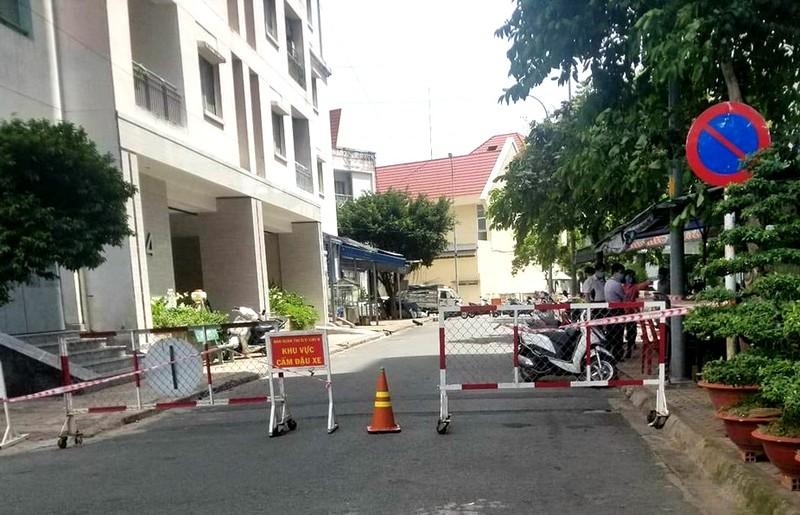 TP.HCM tạm phong tỏa lô 4 chung cư Phú Thọ quận 11 do liên quan ca COVID-19 - ảnh 1