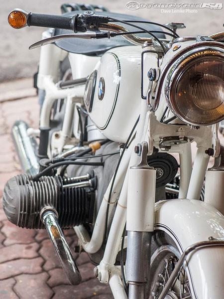 Chủ bộ sưu tập môtô 'khủng' tại Hà thành lên 'báo Tây' 12
