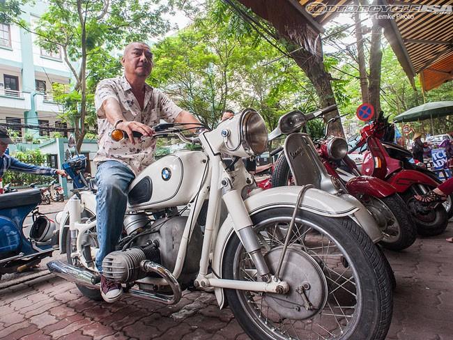 Chủ bộ sưu tập môtô 'khủng' tại Hà thành lên 'báo Tây' 3
