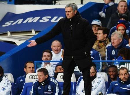 Mourinho vẫn khiêm tốn khi nói về cuộc đua vô địch