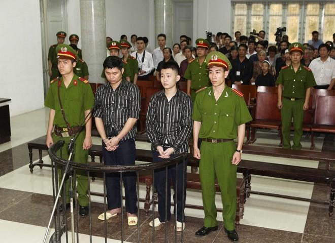 Những bức ảnh đáng xem trong phiên xử BS Tường vứt xác phi tang - ảnh 4