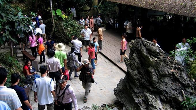 Hoạt cảnh tiên nữ tắm động Phong Nha hút du khách  - ảnh 1