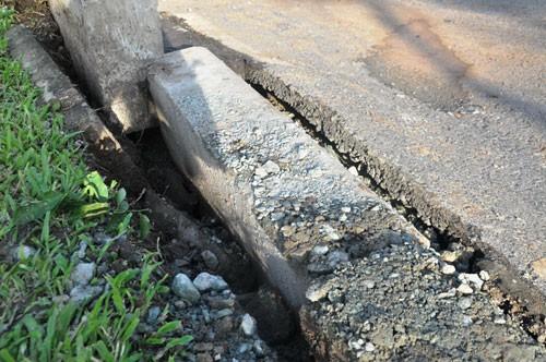 Vụ mặt đường tại trung tâm TP.HCM phát nổ: Giếng thoát nước thành 'bom' khí ?