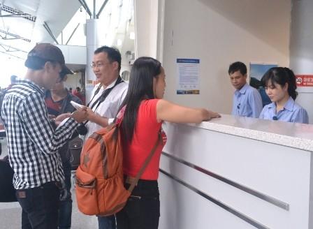 Hành khách bức xúc vì Vietnam Airline hủy chuyến vào phút chót - ảnh 1