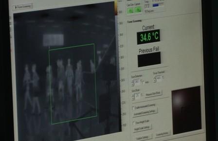 Dịch Ebola diễn biến bất thường, khó kiểm soát - ảnh 1