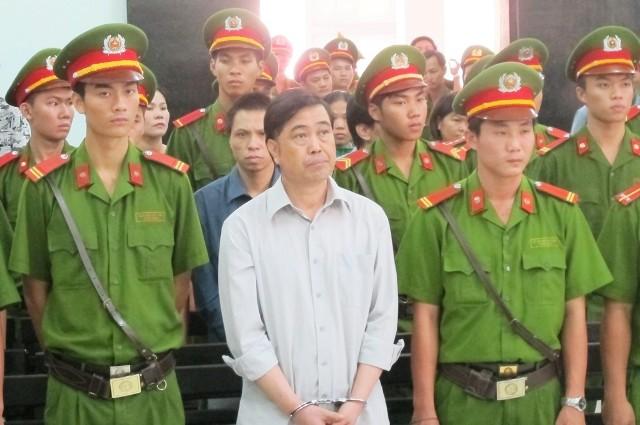 Hoãn phiên tòa vụ tham ô khi sửa ụ tàu vì vắng Dương Chí Dũng - ảnh 1