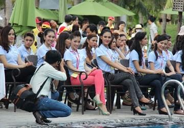 Lại hoãn phiên tòa xử vụ hủy cuộc thi Nữ hoàng biển Việt Nam  - ảnh 1