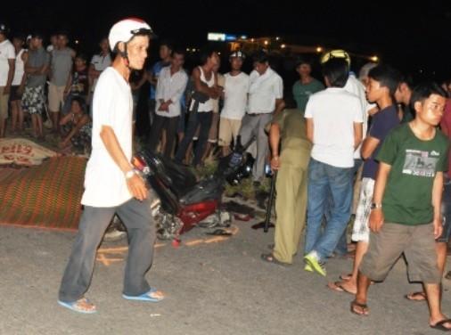 Hai xe máy tông nhau, 4 người chết - ảnh 1