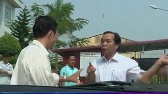 Giám đốc bệnh viện say rượu cản trở phóng viên tác nghiệp bị giáng chức - ảnh 1