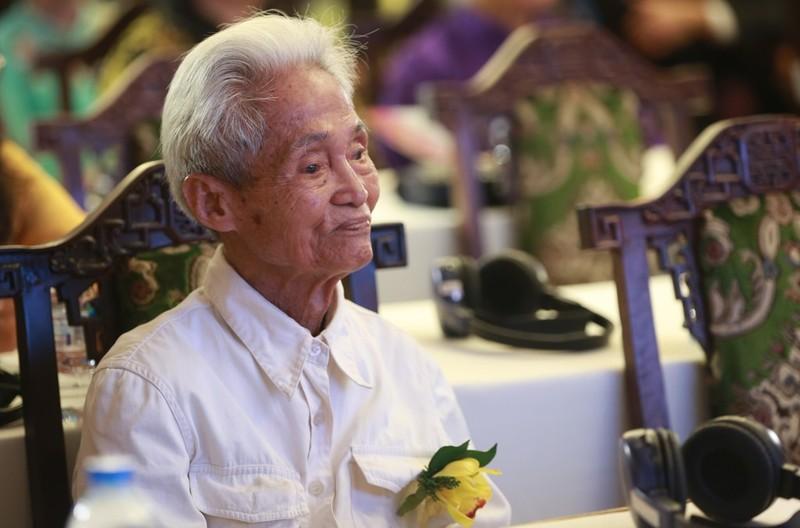 Cụ ông 26 năm viết thư ở Bưu điện TP.HCM nhận giải KOVA - ảnh 2