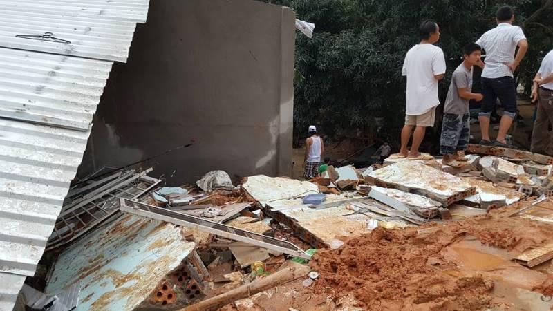 Cận cảnh sạt lở núi ở Nha Trang, ít nhất 2 người chết - ảnh 10