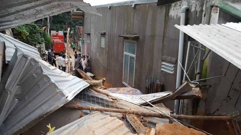 Cận cảnh sạt lở núi ở Nha Trang, ít nhất 2 người chết - ảnh 12