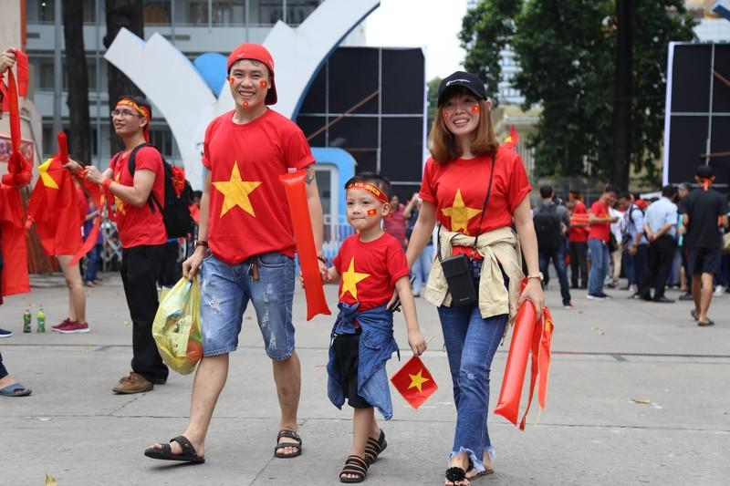 Hàng ngàn CĐV 'tiếp sức' cho đội tuyển U23-Việt Nam - ảnh 3