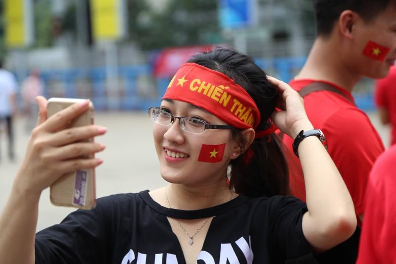 Hàng ngàn CĐV 'tiếp sức' cho đội tuyển U23-Việt Nam - ảnh 5
