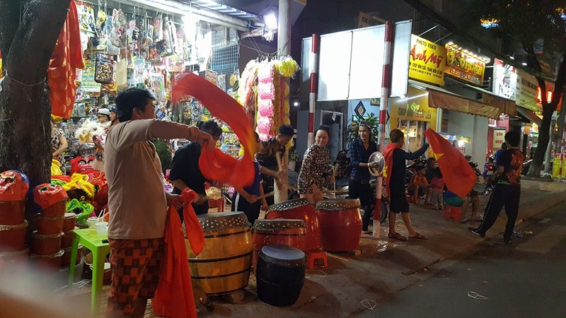 Cả nước ra đường ăn mừng chiến thắng của U23 Việt Nam  - ảnh 12