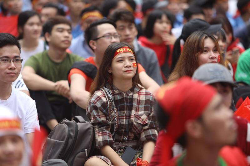 Hàng ngàn CĐV 'tiếp sức' cho đội tuyển U23-Việt Nam - ảnh 14