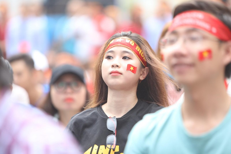 Hàng ngàn CĐV 'tiếp sức' cho đội tuyển U23-Việt Nam - ảnh 15