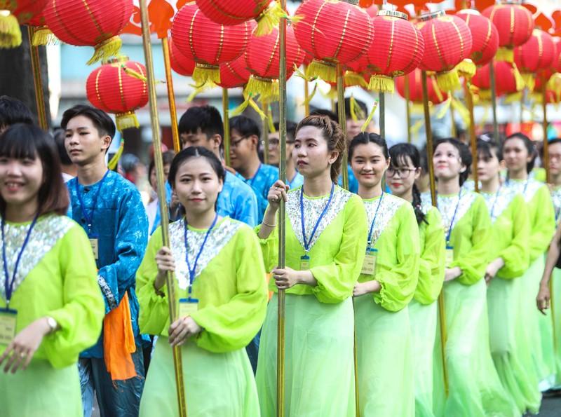 Những 'tiên nữ' xuất hiện trong lễ hội Tết nguyên tiêu  - ảnh 3